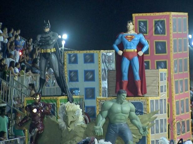 Enredo de escola foi composto por super-heróis (Foto: Reprodução/ TV Morena)