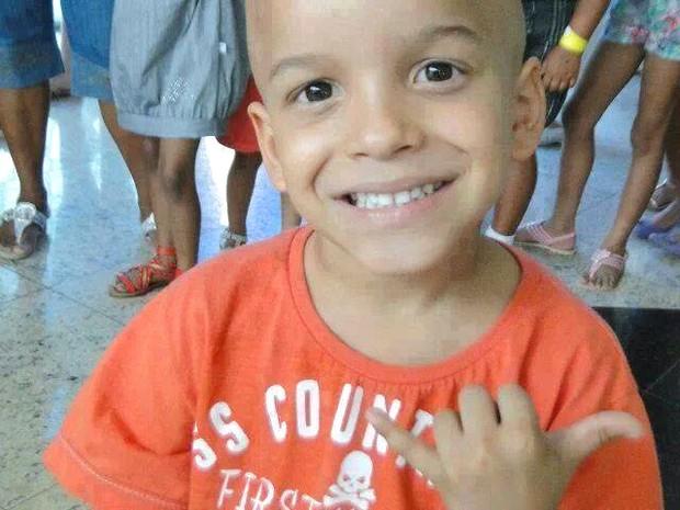 Jhonatan Neris Rezende luta contra a leucemia há dois anos (Foto: Divulgação/ Facebook)