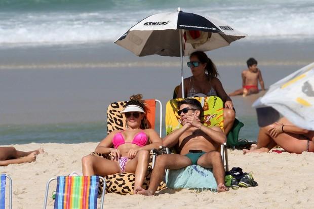 Laura Keller na praia (Foto: Wallace Barbosa/AgNews-)