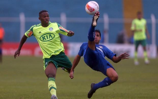 Patrick Vieira Palmeiras e Moradei São Caetado (Foto: JF Diorio / Ag. Estado)