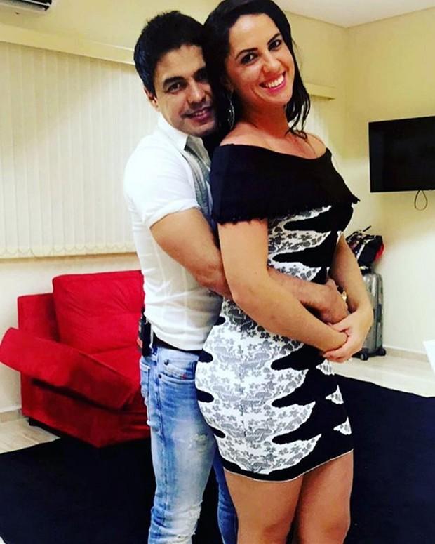 Zezé Di Camargo com a namorada, Graciele Lacerda, em show em Sorocaba, São Paulo (Foto: Instagram/ Reprodução)
