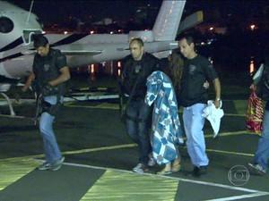 Polícia liberta adolescente italiana sequestrada no RJ (Foto: Reprodução GloboNews)