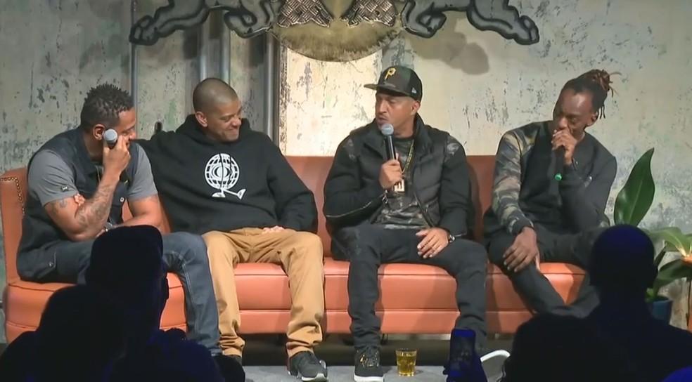 Edi Rock, KL Jay, Mano Brown e Ice Blue, dos Racionais MC's, participam do evento Red Bull Music Academy em SP (Foto: Reprodução/Faceboook/Red Bull Station)