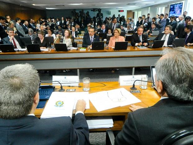 Comissão especial do impeachment no Senado analisa acusações contra a presidente afastada Dilma Rousseff (Foto: Geraldo Magela/Agência Senado)