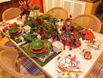 Na decoração, a mesa está montada para a ceia  (Foto: Edgard Cesar/Divulgação)