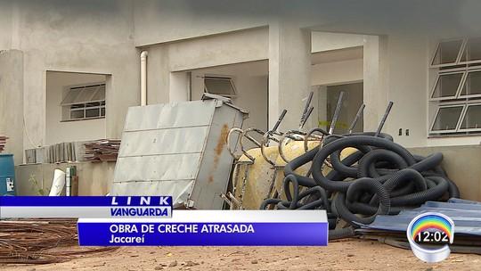 Pais reclamam de creche inacabada no Jardim Santa Paula em Jacareí