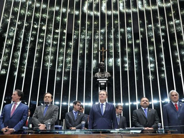 Mesa do Senado durante a cerimônia de promulgação da PEC (Foto: Lucas Salomão/G1)