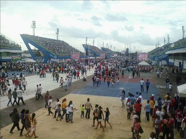 Fiéis chegam para festa de Pentecostes, que será realizada neste domingo em Manaus (Foto: Divulgação/PM-AM)