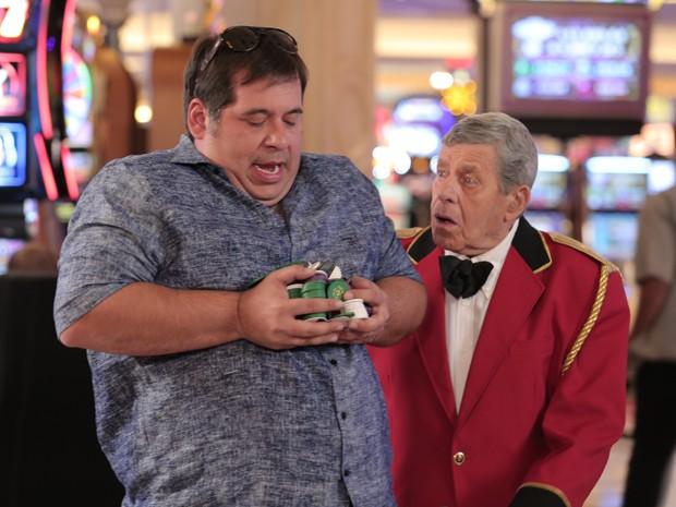 Leandro Hassum e Jerry Lewis em 'Até que a sorte nos separe 2' (Foto: Divulgação)