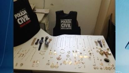Homem é preso com mais de R$ 25 mil em joias furtadas em Pirapora