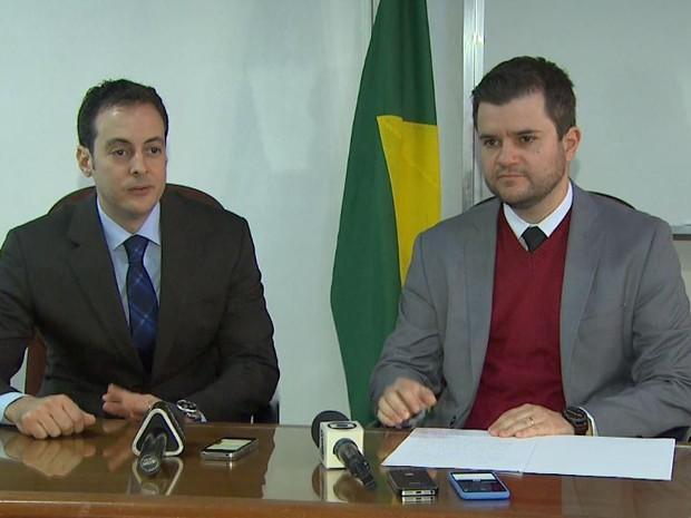 Promotores Leonardo Romanelli e Herbert Vitor Oliveira, em Ribeirão Preto, SP (Foto: Mauricio Glauco/EPTV)