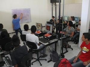 Curso de informática 'Cidadão Digital' em Hortolândia  (Foto: Reginaldo Prado)