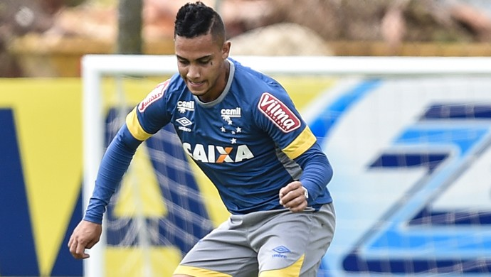 Bryan; Cruzeiro (Foto: Pedro Vilela/Light Press)