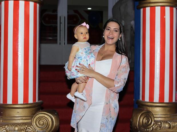 Thais Fersoza e Melinda (Foto: Thiago Duran/Agnews)