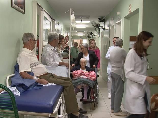 Santa Casa sofre com a superlotação em Rio Preto (Foto: Reprodução / TV TEM)