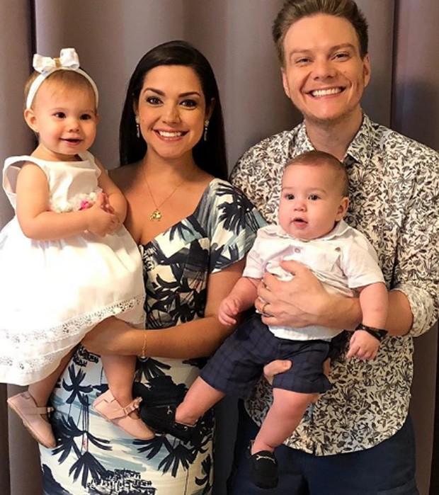 Thais Fersoza e família (Foto: Reprodução/Instagram)
