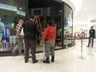 Princípio de incêndio atinge loja em shopping de Cabo Frio, no RJ