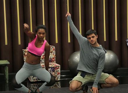 Felipe Simas percebe transformação no corpo no 'Dança': 'Calça ficou apertada'
