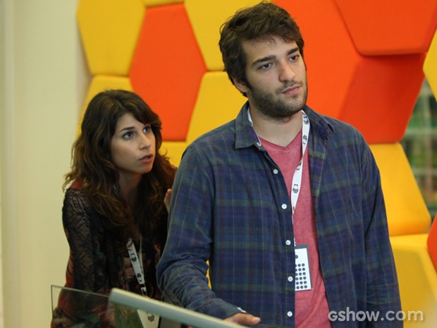 Davi fica para lá de irritada depois que Jonas rejeita sua ideia (Foto: Camila Camacho/TV Globo)