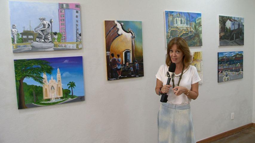 Sandra Freitas em exposição sobre Vitória (Foto: Divulgação/ TV Gazeta)