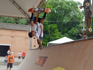 Festival de tatuagens no Engenho Central de Piracicaba teve também campeonato de skate na manhã deste domingo (23) (Foto: Araripe Castilho/G1)