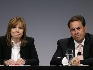Mary Barra e Mark Reuss, da GM, falam sobre investigação de defeito na ignição que levou a mortes (Foto: AP)