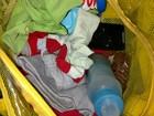 Jovem tenta entrar em cadeia com celular entre roupas de criança