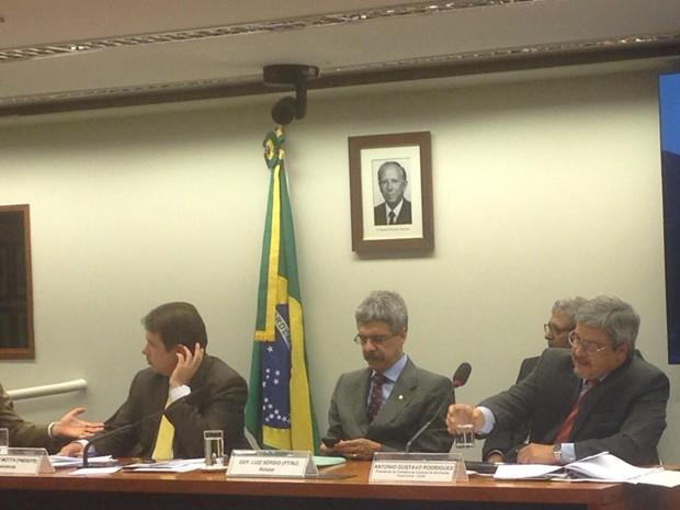 O presidente do Coaf, Antonio Rodrigues, durante depoimento à CPI (Foto: Nathalia Passarinho/G1)