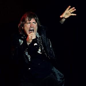 ROQUEIRO Bruce Dickinson em show do Iron Maiden  em 2013. Sua voz o tornou famoso mundialmente (Foto: Will Bremridge/Willbphoto.com)