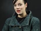 Lily Allen cita Kurt Cobain e Elvis em nova música; ouça 'Air balloon'