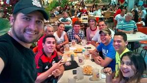 Jogadores do Cartola FC se reúnem para assistir rodadas juntos (Foto: Hudson/Arquivo Pessoal)
