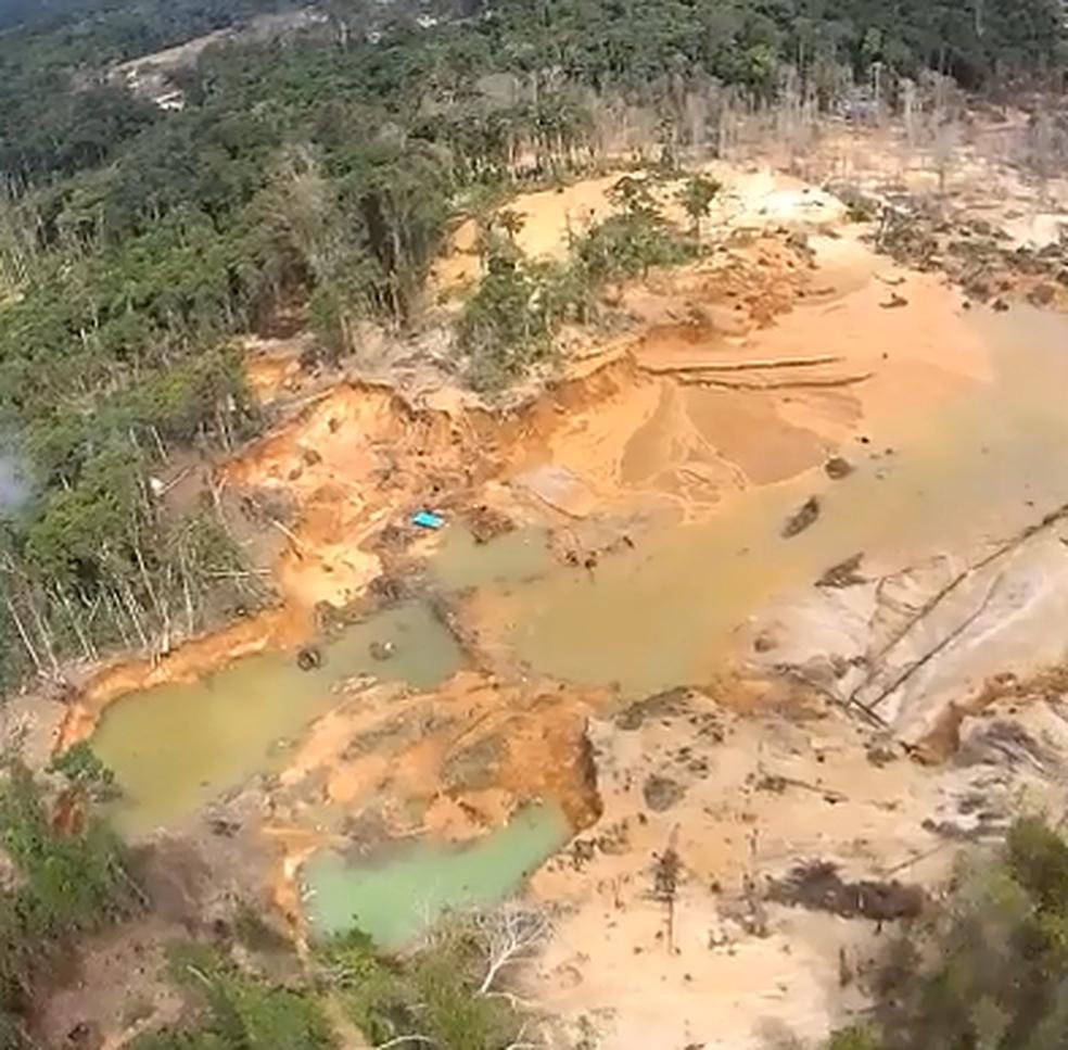 Garimpo provocou degradação de terras na reserva Yanomami (Foto: Exército/Divulgação)