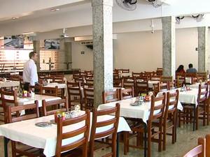 Restaurante em Pirassununga recebeu 1,2 mil pessoas em 2015 (Foto: Paulo Chiari/EPTV)