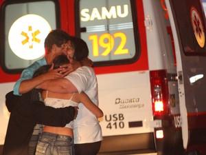 Família de adolescente de São Carlos ficou desconsolada quando soube do crime (Foto: Maurício Duch)