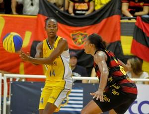 sport x são josé basquete feminino (Foto: Aldo Carneiro / Pernambuco Press)