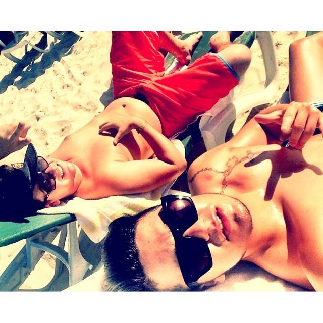 Luan Santana (dir) e amigo (Foto: Reprodução/Instagram)