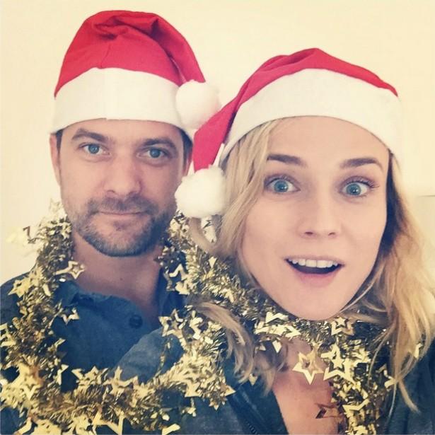 """A atriz alemã Diane Kruger e o """"namorido"""", o ator canadense Joshua Jackson, parecem ter se enrolado um pouquinho com a decoração natalina. (Foto: Instagram)"""