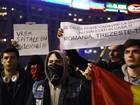Milhares protestam em Bucareste após tragédia em boate