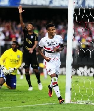 Liberdade para abusar e errar: o que o São Paulo quer do jovem David Neres