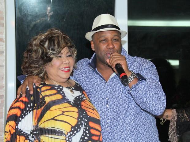 Aílton Graça na festa de aniversário da cantora Alcione na Zona Oeste do Rio (Foto: Alex Palarea/ Ag. News)