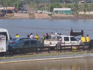Atualmente é necessário utilizar balsas para chegar a Mazagão (Foto: Reprodução/TV Amapá)