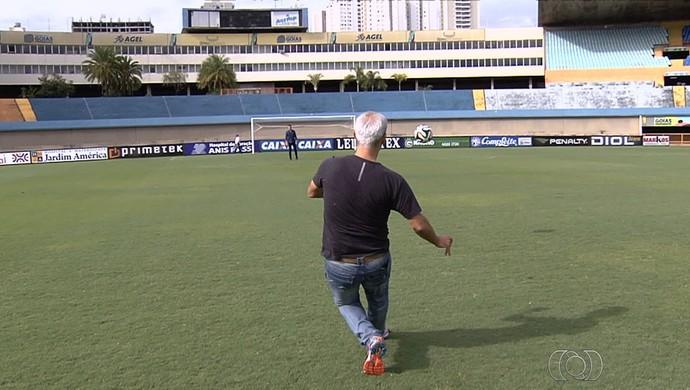 Leonardo Valença, ex-zagueiro do Vila Nova (Foto: Reprodução/TV Anhanguera)