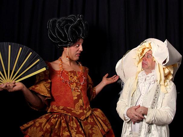 O burguês Sr. Jordain é obcecado por conseguir ascender social (Foto: Elisa Rosas)