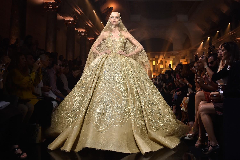 A noiva dourada de Elie Saab (Foto: Getty Images)