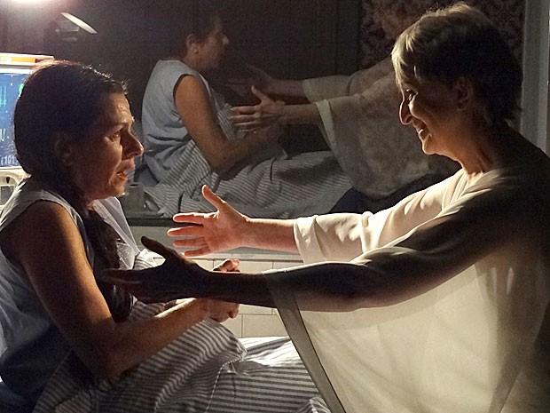 Verbena perdoa Angélica por tudo o que aconteceu (Foto: Amor Eterno Amor/TV Globo)