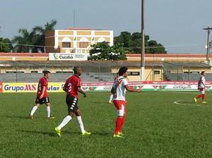 Operário x Brasil-RS no Estádio Dutrinha, em Cuiabá. (Foto: Bárbara Taques)