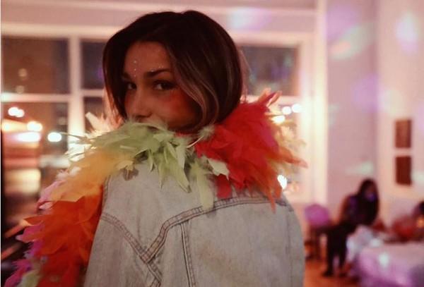 Sasha mostra look de Carnaval mesmo longe da folia