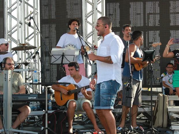 Cantor Diogo Nogueira fará show no réveillon de Manaus   (Foto: Camila Henriques/G1 AM  )