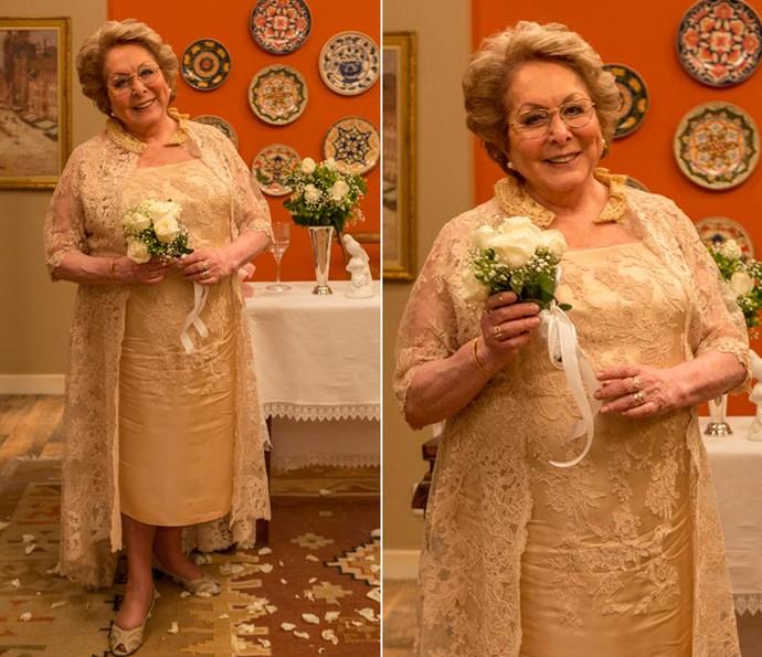 Vale lembrar que o look de Geppina foi criado por Lethicia Bronstein. Chiquérrima! (Foto: Ellen Soares/Gshow)