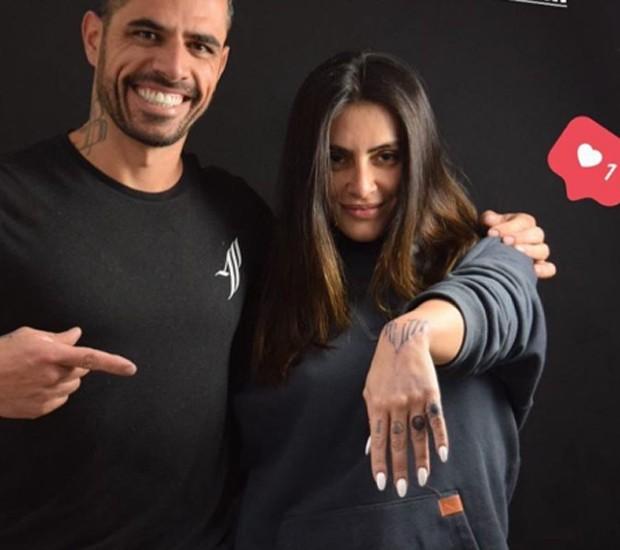 Cleo Pires transforma tatuagem feita com Rômulo Neto